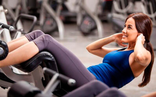 Эффективные упражнения на скамье для рельефного пресса