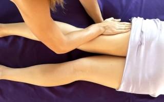 Как уменьшить объемы бедер и голеней: техники массажа