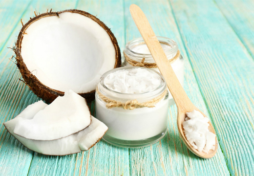 ложка с кокосовым маслом