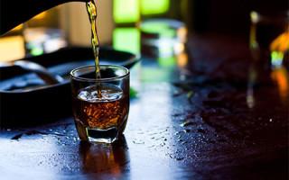 Можно ли пить черный чай при похудении и помогает ли он скинуть вес