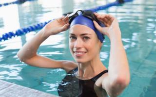 Как плавание помогает убрать живот и накачать пресс