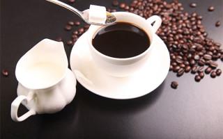 Можно ли употреблять сахар с чаем или кофе, если хочется похудеть
