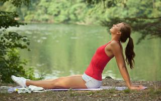 Как убрать живот с помощью бодифлекса: обзор упражнений