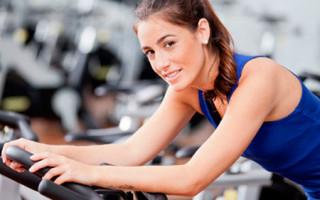 Как упражнения на велотренажере помогают убрать живот и боков
