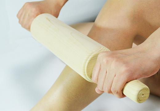 массаж ног скалкой